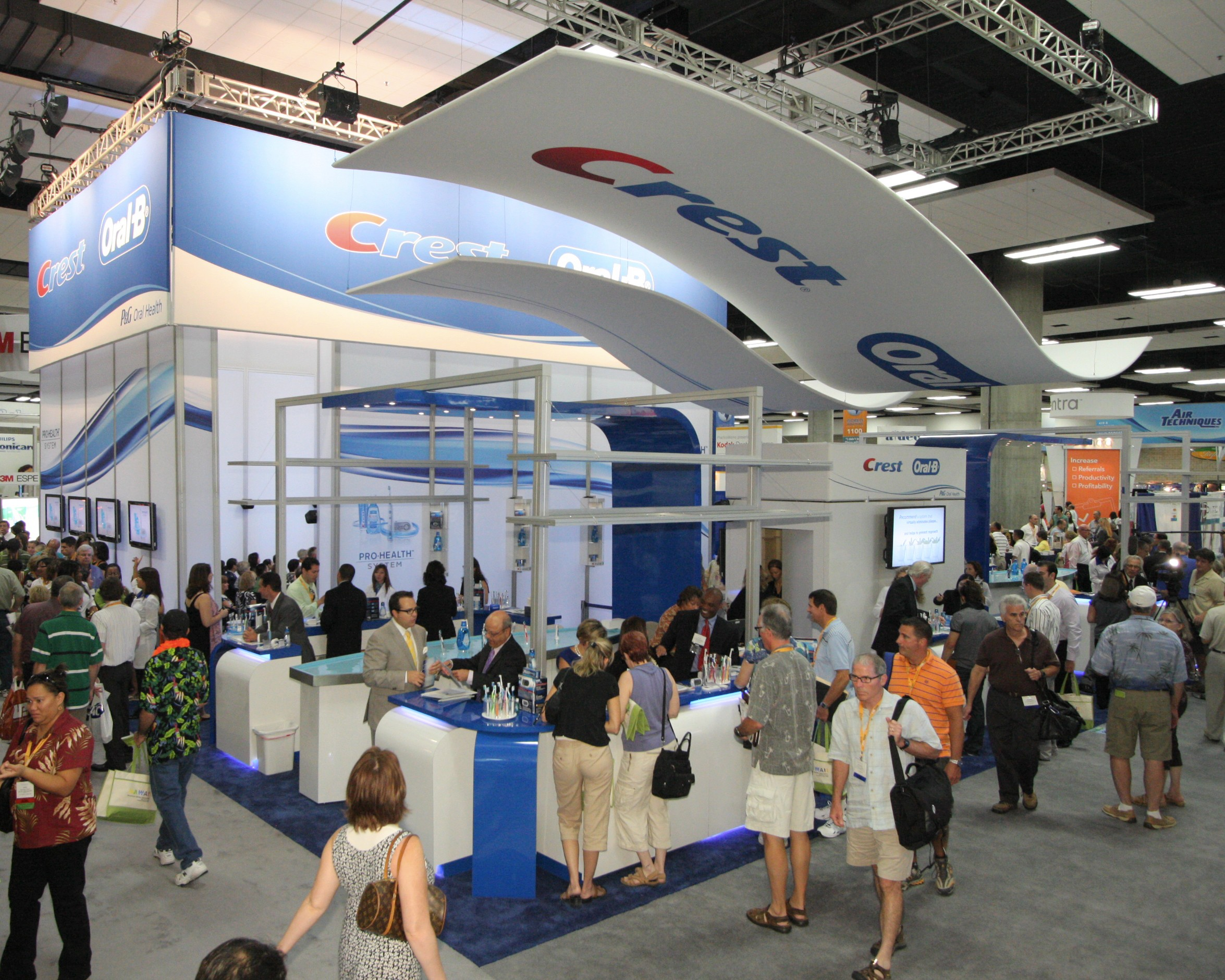 Trade Show Booth Tips: Exhibits That Go Beyond Expectations